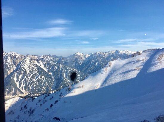 Ruta de 2 días en la ruta alpina Tateyama Kurobe, Shirakawago y Hida-Takayama desde Osaka: 立山黑部峽谷遊