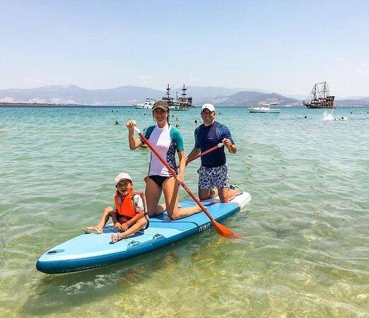 טורקיה: 🛶 Sharing adventures as a team means enjoying them 100% more. 🤩 In the mood to paddle, cycle, ride or set sail? There is so much to experience in Turkey! #SportinTurkey 📸 IG: tuchi__puchi 
