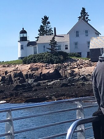 Enjoyed every minute of this Lighthouse cruise.