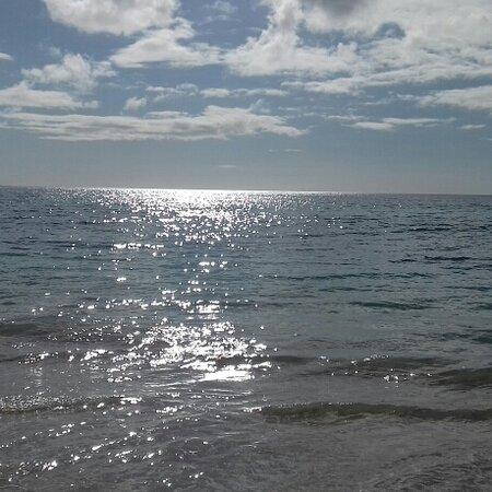 Playa de Jandia, Spain: Mare cristallino e spiaggia dorata. ..un sogno!  Jandia,  Fuerteventura 😍