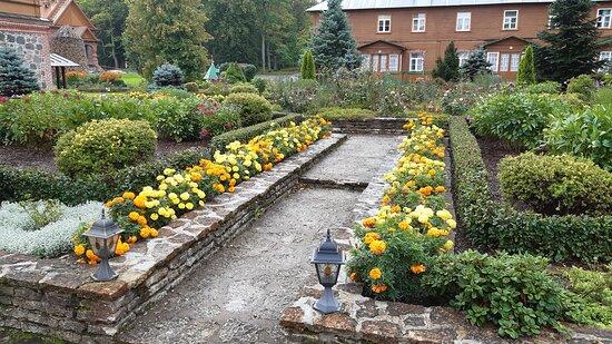 Klosterträdgård.