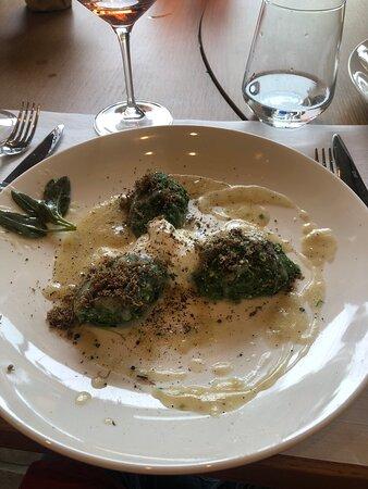 Amazing truffle hunt, wine and food