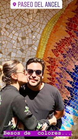Las fotos que no pueden faltar Paseo del Angel - calle de las sombrillas