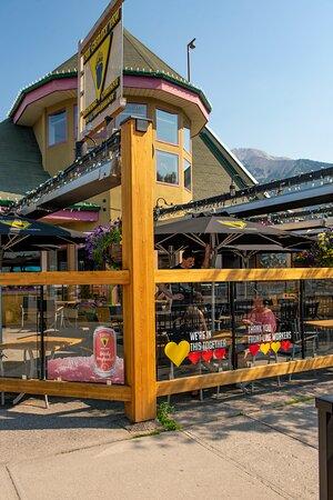Grizzly Paw Downtown Pub