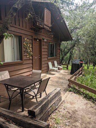 Front porch at Hummingbird Cabin