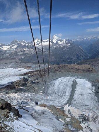 写真マッターホルン・グレーシャー・パラダイス:ヨーロッパで最も高いケーブルカーの駅枚