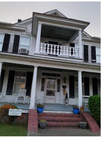 One of Tons of Historical Homes in Edenton, part of the walking tour.