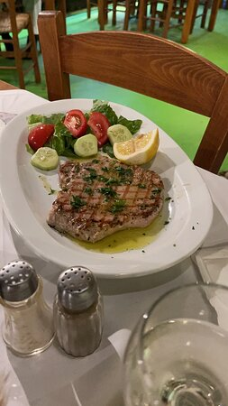 Very good surprise. All meals well cooked and clean flavours. Tastes very fresh. As always there's extremely good surprise at the very end: some raki, grapes and a honey cake with vanilla ice cream!