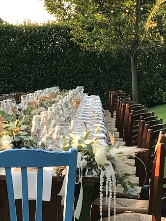 Vista d'insieme del tavolo imperiale