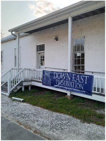 An Old Building in Edenton, not fixed up yet for visitors, Located  in the Light House Park