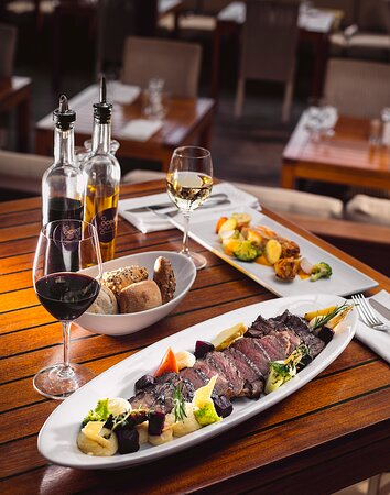 The menu at the ocean lounge features, Lunch and dinner menu with many choices of seafood, steaks, lobster, pastas, and vegetarian dishes. Great dining with an Wine Spectator awarded wine cellar featuring 120 labels