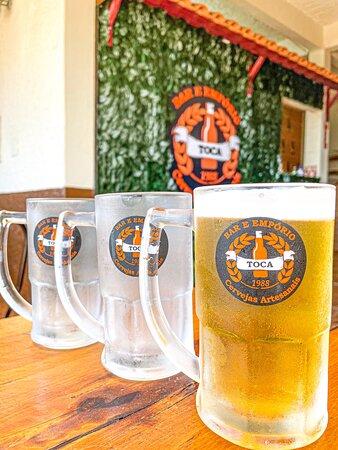 O boteco mais famoso e descolado da cidade! Cervejas de qualidade, chops artesanais, drinks, e os melhore petiscos e porções! Sem falar no ambiente mais aconchegante de São Lourenço