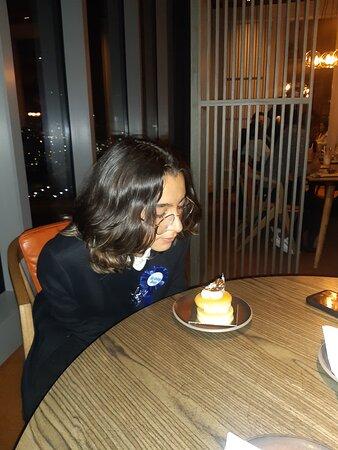 Celebrando un bello Cumpleaños
