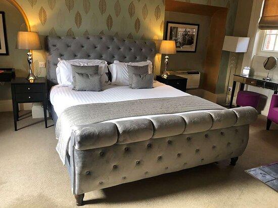Suite: King Room
