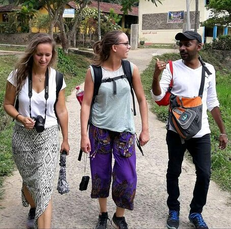 ' Light trekking session # Explore Kandy by foot '  A British Governor has said that ' Kandy is the most beautiful city in the most beautiful country in the world '  Explore the real rural country of Sri lanka, natural beauty and eco systems, wildlife and also the opportunity of interacting with Sri lankan village people 💕 If you choose our 7 day package, Kandy will be our Second & Third days destination . Lanka Inora Travels - Since 2011 www.lankainoratravel.com