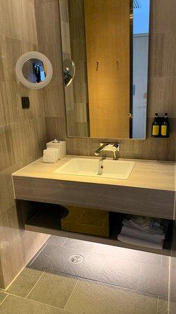 複式單位 - 上層浴室