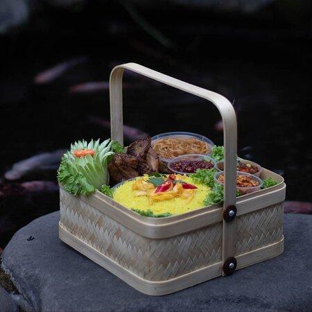 Hampers Rumah Makan Dewi Sri Mojokerto yang bisa anda pesan kapanpun dengan harga yang sangat terjangkau