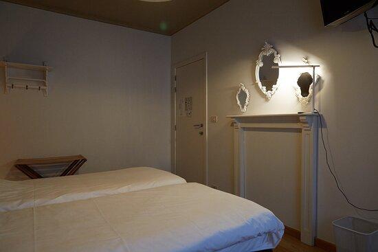 Unieke kamer ingericht door kunstfotograaf Natalie Demeulemeester