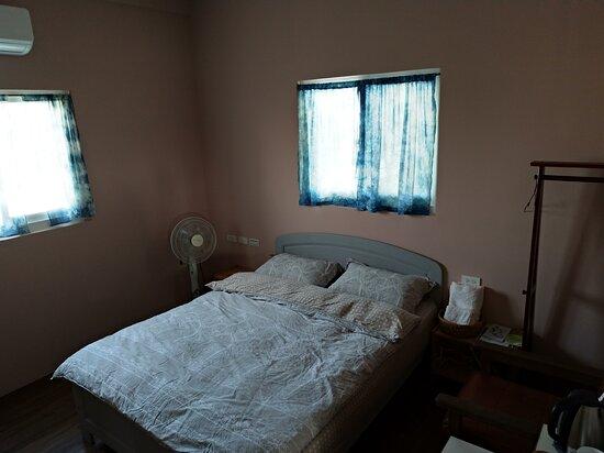 套房ANJING(馬來語的狗) Double bed suit room name Anjing( means Dog in Malay)