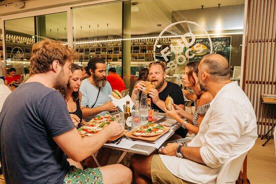 I nostri primi clienti: si mangia in compagnia