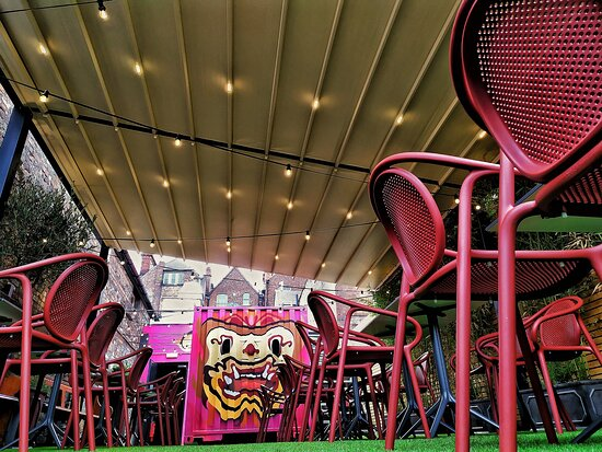 Our Saba Secret Garden has an awning and outdoor heaters for all weather conditions