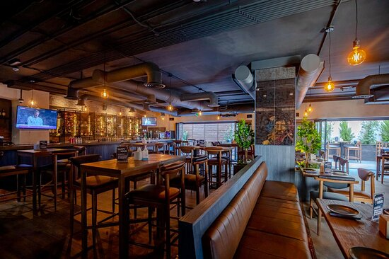 #OdysseyBistro Urban bistro pub experience combining classic pub & modern eatery elements. Opening hours Monday - Sunday: 12:00 PM - 12:00 AM