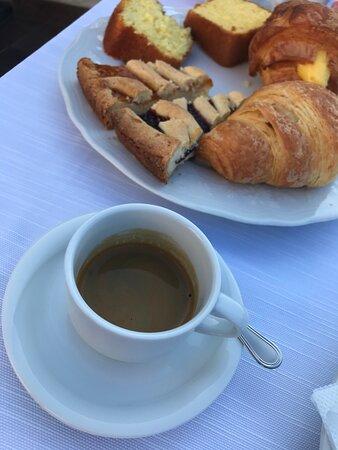 Frühstück...   dolce.....