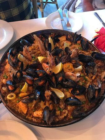 Mixed Paella meat and seafood.