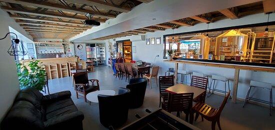 Bar et boutique - Bar and shop