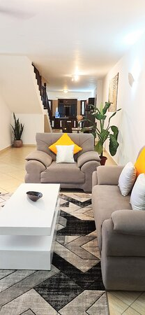 Shanzu, Κένυα: Naomi's Spacious One Bedroom Apartment Overlooking The Indian Ocean