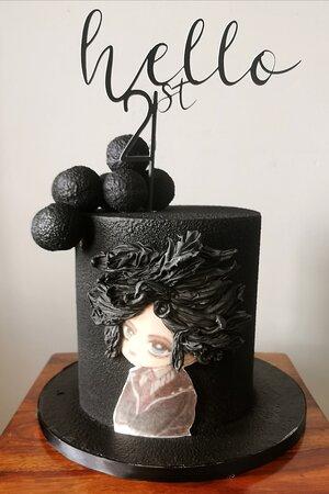 Ньюкасл-апон-Тайн, UK: Personally birthday cake.  Contact mobile number 07577499302. Sweet Pooh Cake
