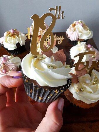 Ньюкасл-апон-Тайн, UK: Sweet Pooh cake 07577499302 Newcastle upon Tyne