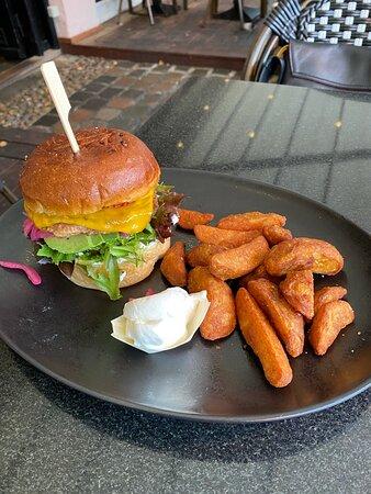 Veggie deluxe burger