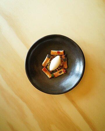 Rosca de reyes, helado de leche nido