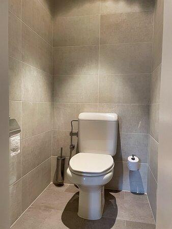 Toilette séparée de la Chambre 7