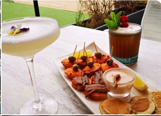 Saint-Raphael, فرنسا: Cocktails et petite faim !