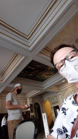 Detalhe da pintura no teto na Recepção.