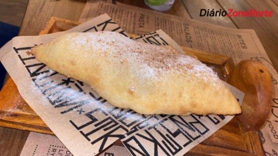 Pastel di Garda (uma delicada pizza frita doce recheada). A de Maçã. Pera e Mascarpone é de outro mundo…