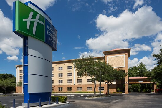 Holiday Inn Express & Suites Plant City, an IHG hotel