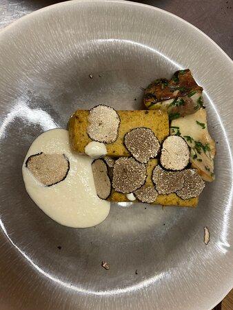 Lo sformatino di funghi porcini al parmigiano con tartufo nero estivo