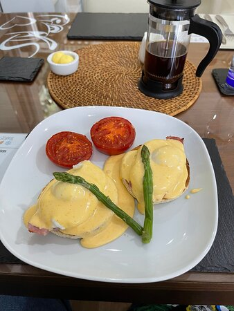 Eggs benedict - did I say the tomatoes were best ever too