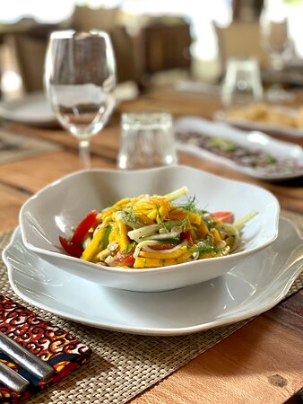 Mango salad with lime & chili dressing