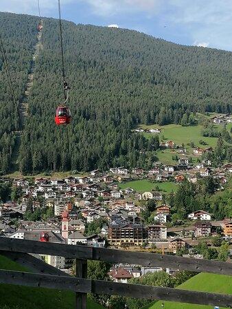 Ortisei e l'ovovia per l'Alpe di Siusi