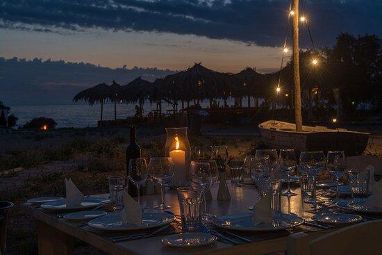 Ammothines restaurant at night