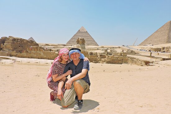 O homem teme o tempo, mas o tempo teme as pirâmides!