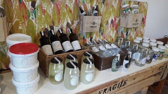 Variedade de marcas de óleo de coco orgânico | Various types of organic Coconut Oil
