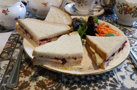 Brie & cranberry chutney sandwich