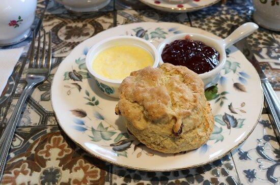 Fruit scone jam & cream