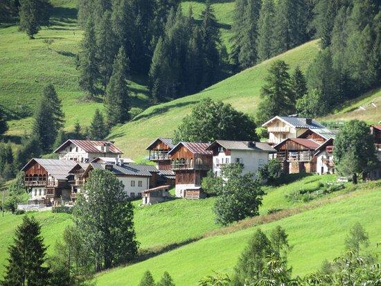 Alcune delle case di L'Andria