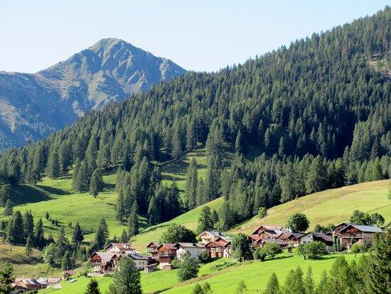 Vista di L'Andria col Monte Pore